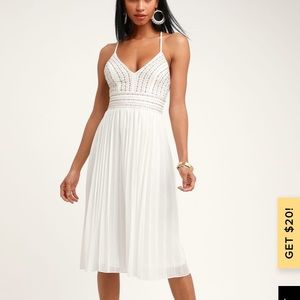 Lulu's Delilah white pleated midi dress